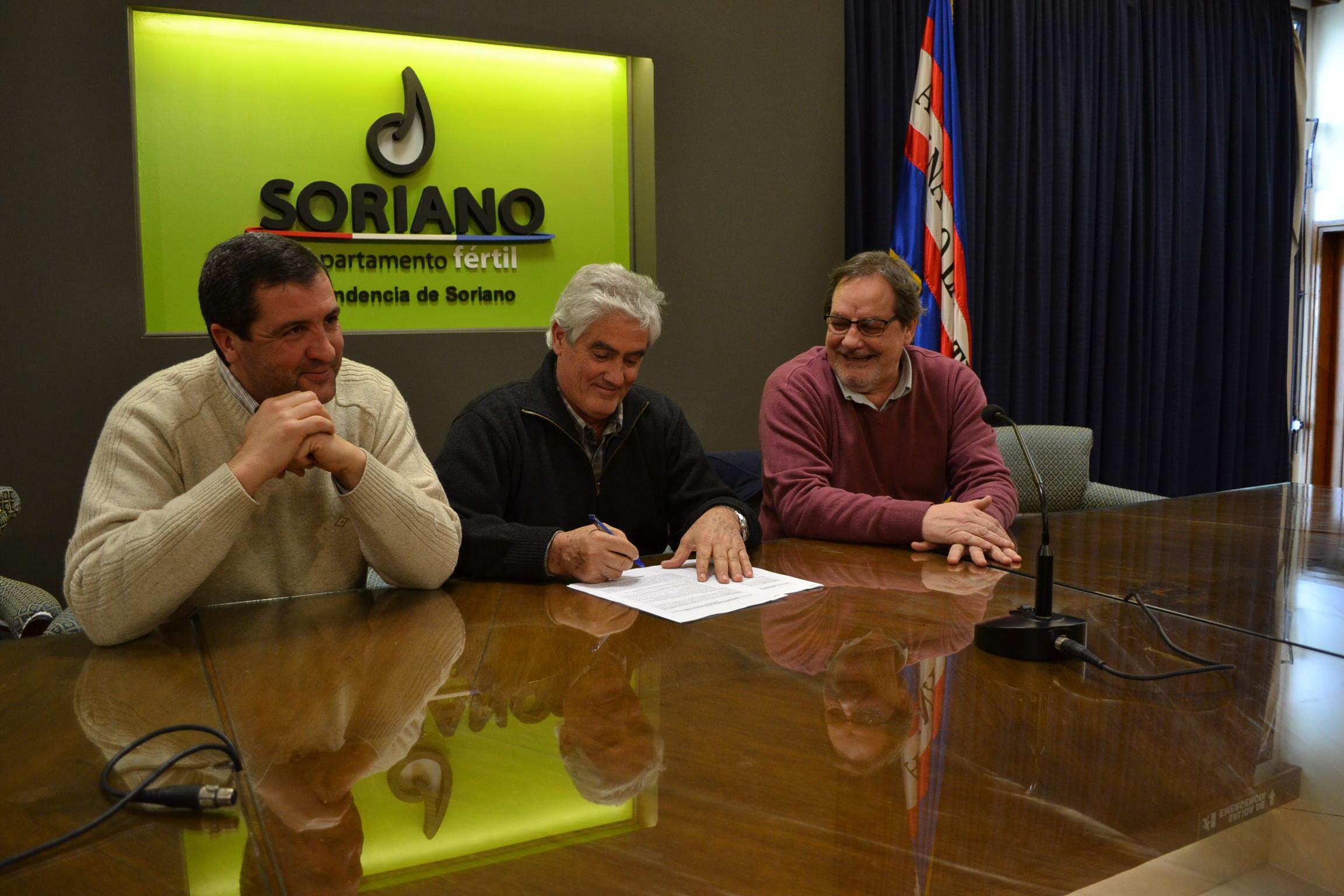 0 Bascou firma convenio con INACOOP